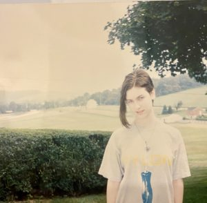 Sarah in 1991 in Pylon t-shirt